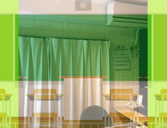 学校の教室とワンバイブス阿佐ヶ谷教室